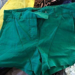 Theory vibrant green shorts, size 00